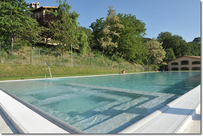 Agriturismo gubbio agriturismi vicino perugia e assisi in - Agriturismo napoli con piscina ...